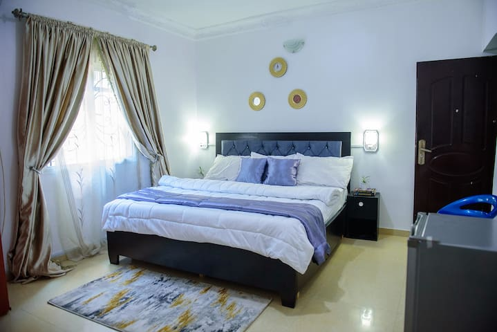 Exquisite room, comfortable to relax for reading or entertainment and earn quality rest and peaceful sleep.