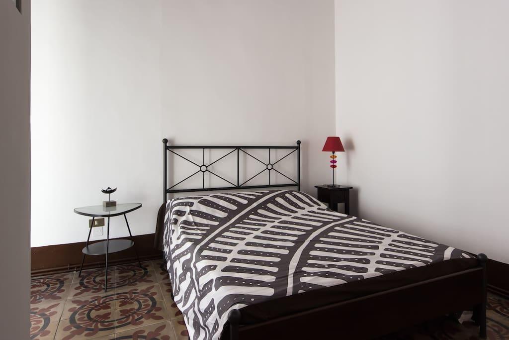 Roman-Room -Double-bed