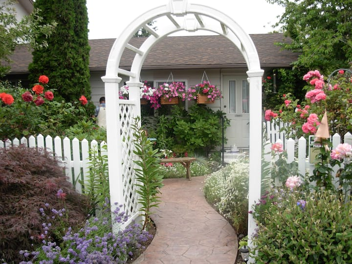 Rose Garden Private Suite
