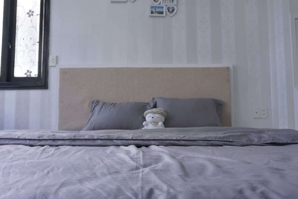 King-size bed, cotton drap set
