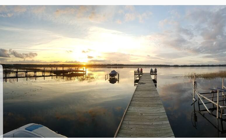 Lake Cabin 1/1. Dock&Water Access Gorgeous Sunsets