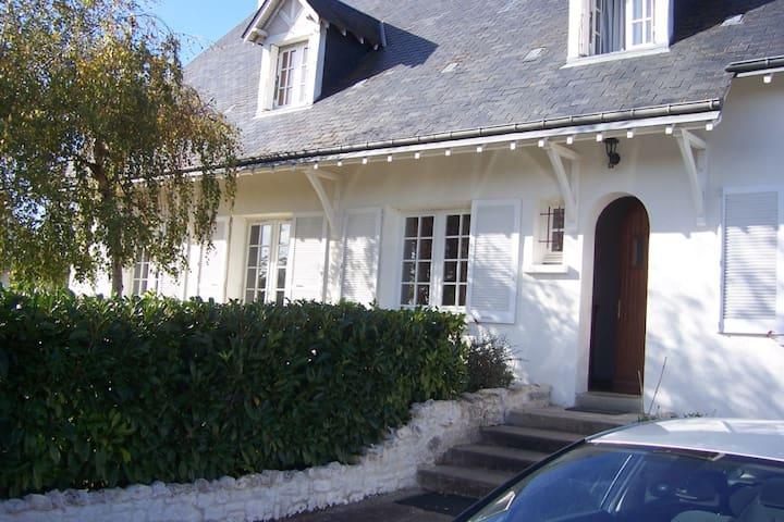 1 Chambre entre Loire et châteaux proche de Blois