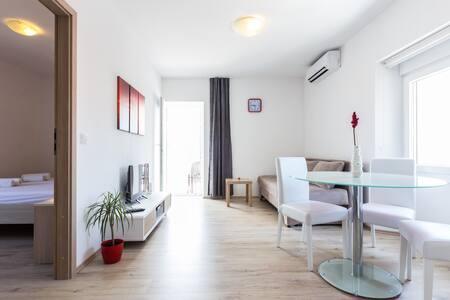 apartments LONGIN -LUCY- Zadar/Kali/otok Ugljan