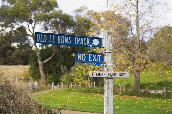Coombe Farm, B&B, Akaroa, Banks Peninsula