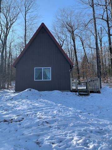 Cozy Cabin #2- Perfect Maine Getaway