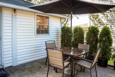 Updated Wading River Studio Cottage - Wading River - House