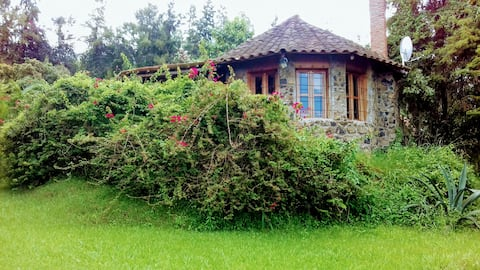 MPOZA -Stone House-private prop.
