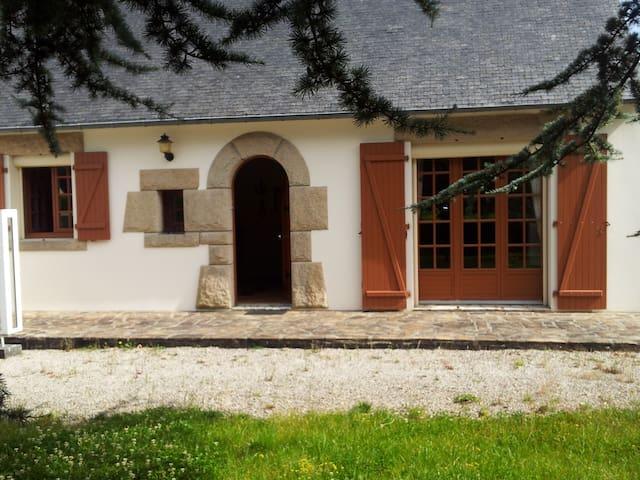 Jolie maison près de la côte de granit rose