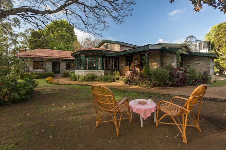 Kurinji Estate, 1930's heritage bungalow (Exec) - Кодаиканал - Бунгало