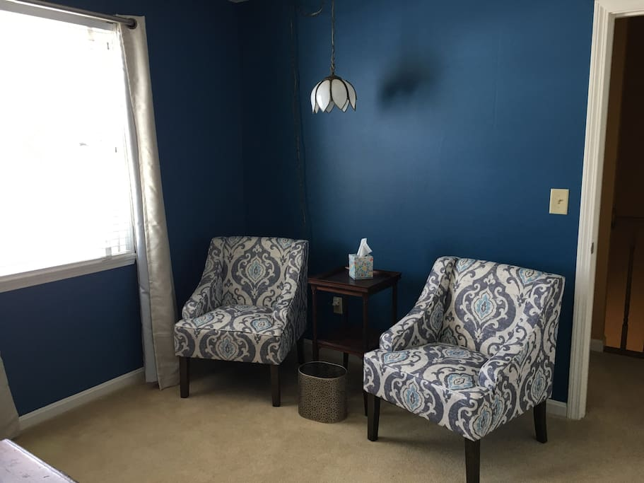Seating area in bedroom 1