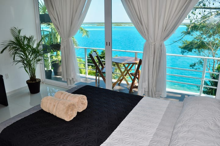 "Lagoon & Sunrise New! Room ""Tortuga"" in Villa 471"