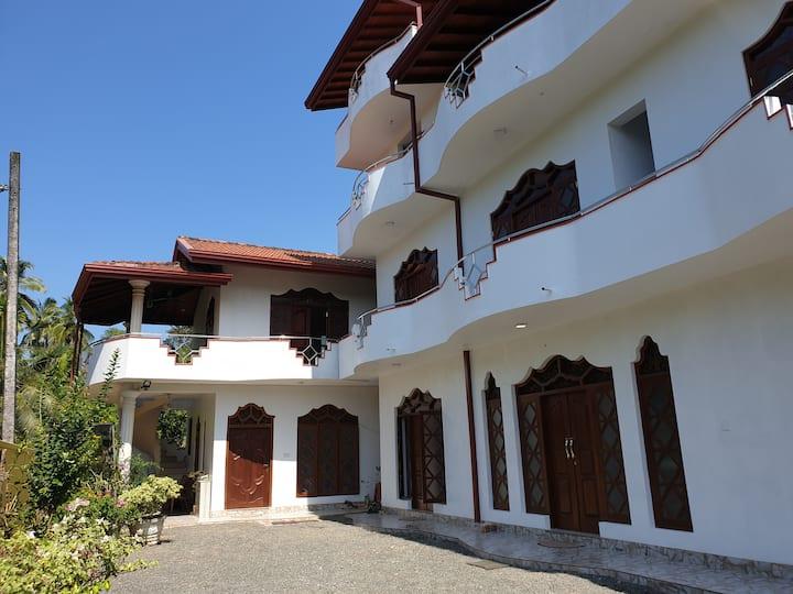 White Elephant Villa & Restaurant 6