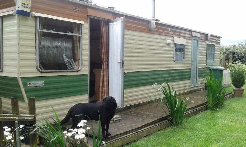 Cosy Mobile home at rear of property - Mulbarton - Шале