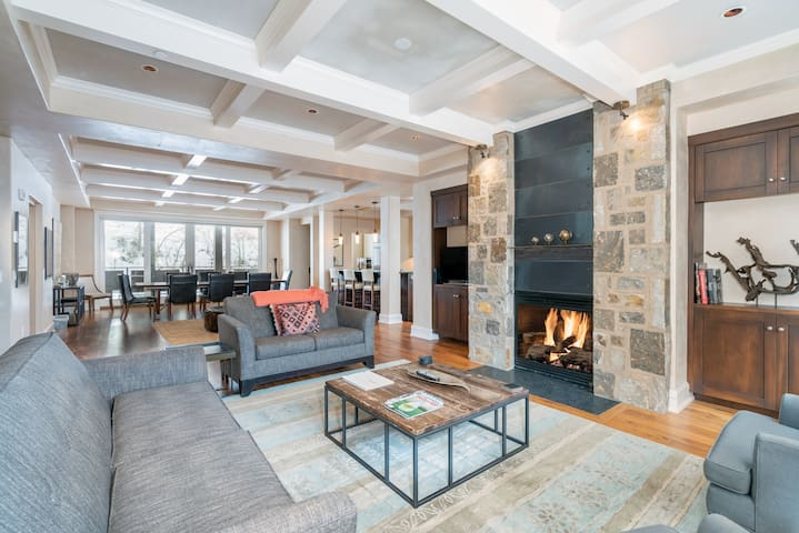 Four-Story Luxury Retreat w/Private Elevator @ Auberge Element 52 (S2A)