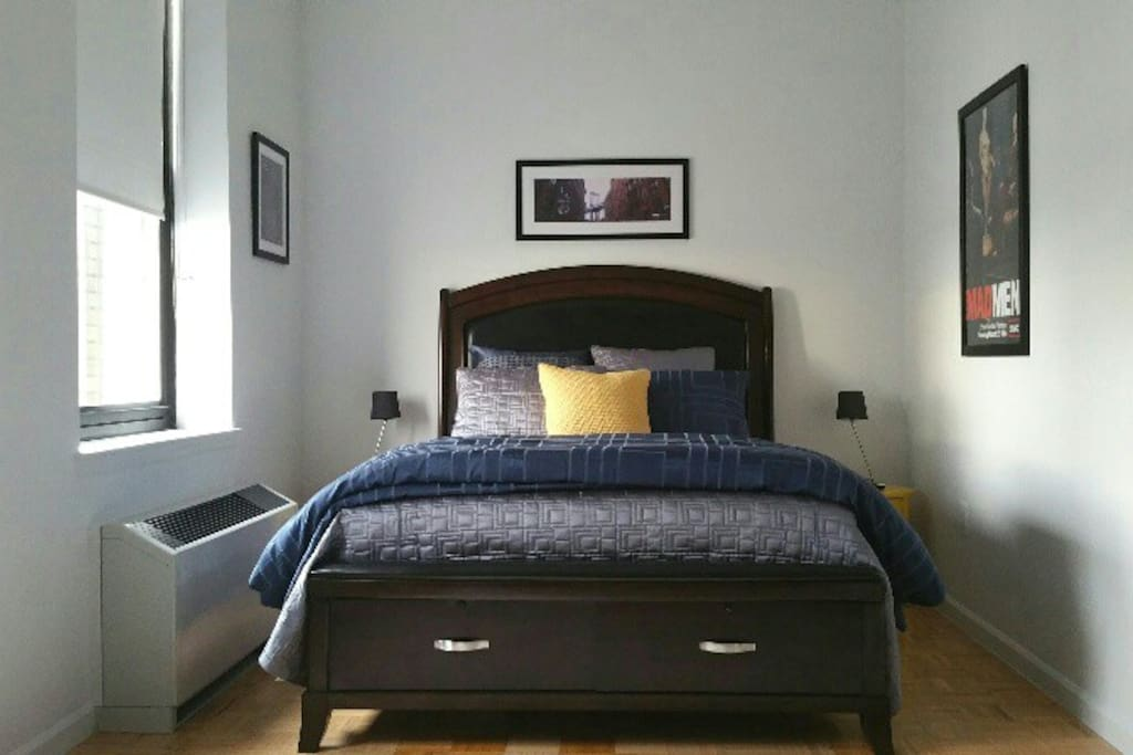 Comfortable Queen sized bed in this beautifully decorated studio apartment