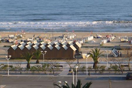 Beach front apartment - Monte Gordo