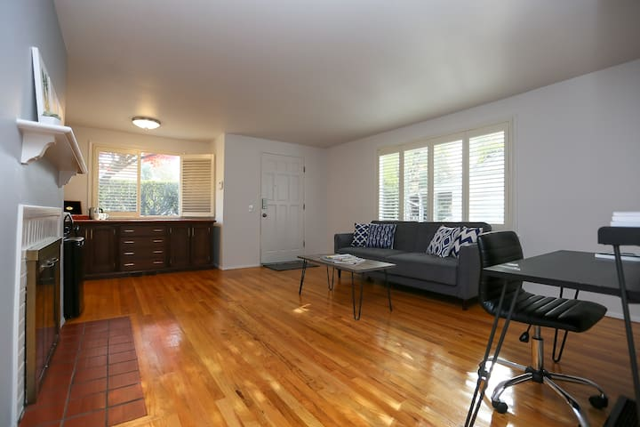Newly Renovated & Spacious Wedgwood Suite!
