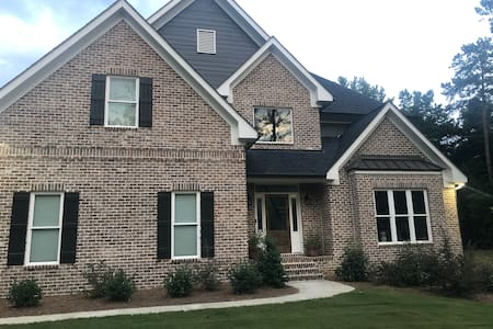 UGA Gameday- 5 bedroom home with pool
