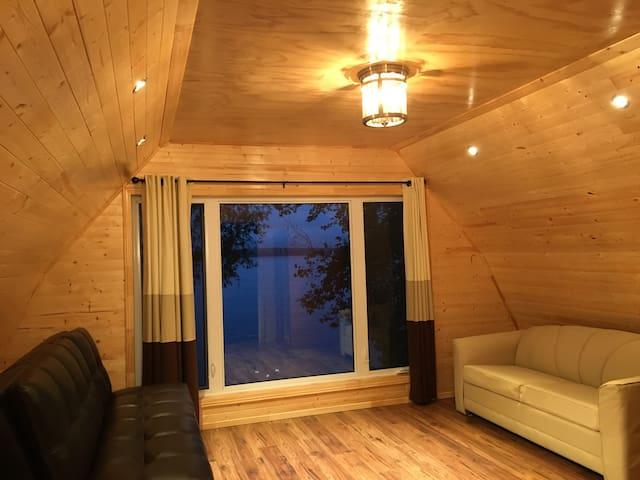 Sandy Shore Cottages, 2 storey 2 bdr luxury Chalet