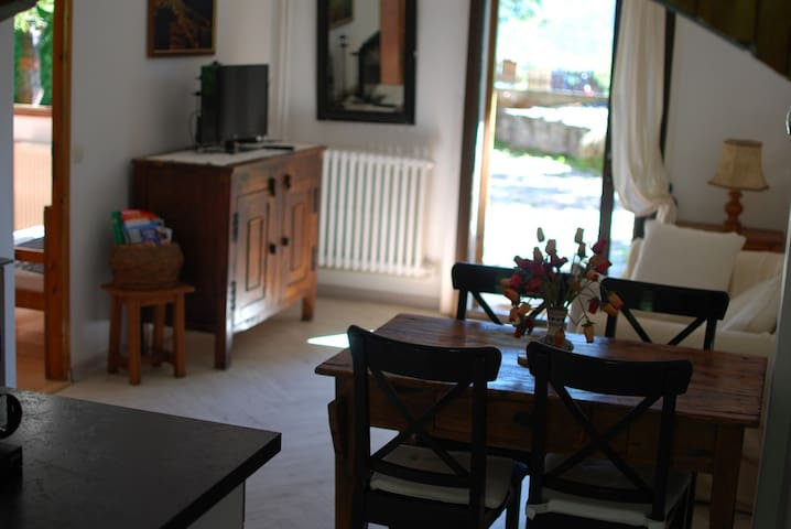 Appartment au calme à la montagne - Champcella - Apartment
