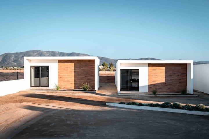 Collins 2-RusticTiny Homes 1BD 1BA/ Near Vineyards