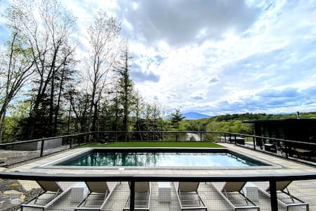 NEW! Views, Pool, Hot Tub, Modern Architecture