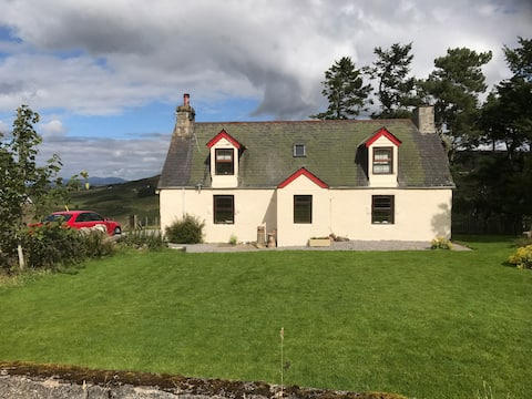 85 Tomich Lairg Sutherland IV27 4DQ