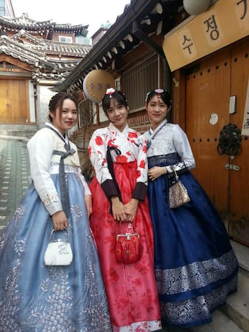 Traditional Hanok/8min from Anguk STN /북촌3/조식포함