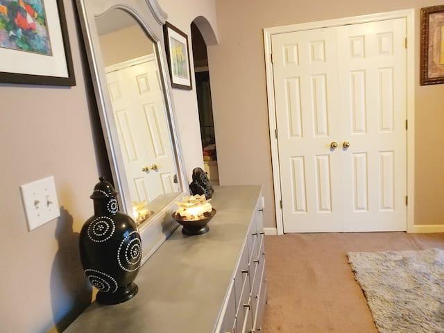 A Beautiful & Cozy  Room in Hamilton Mill!