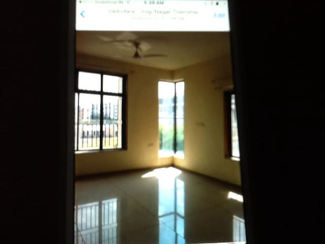 I have fully furnished luxurious 3BHK apartment - Vadodara - Apartment