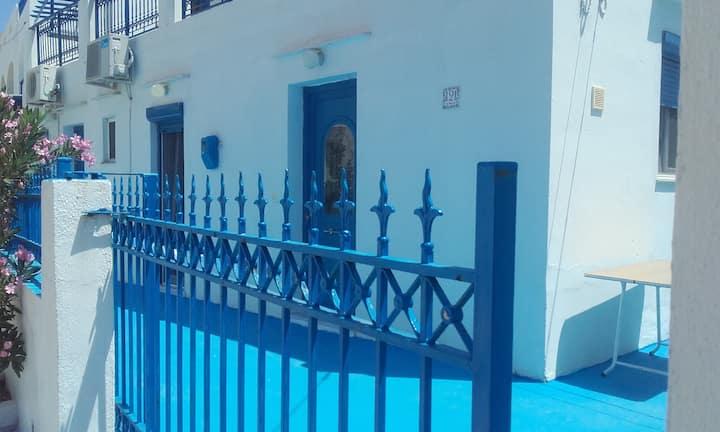 Studio for 3 on Sifnos, near the beach.