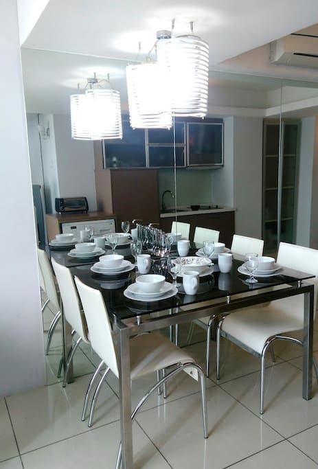 Home Like Dining Table & Kitchen