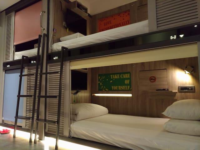 Best Hostel! 男生限定-最舒適的背包旅館,台北的家Male Dormitory Room