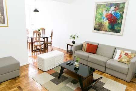 3 rooms apartment in Ipanema nearby subway station