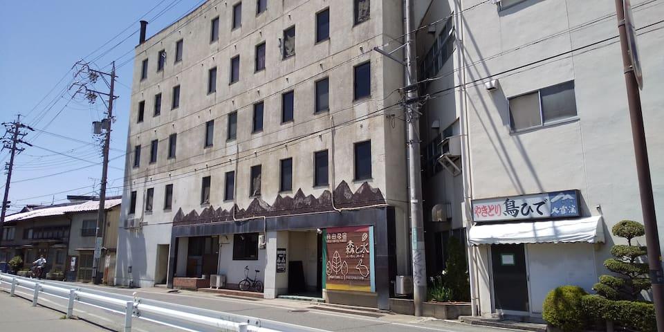 長野駅徒歩5分のゲストハウス内の個室