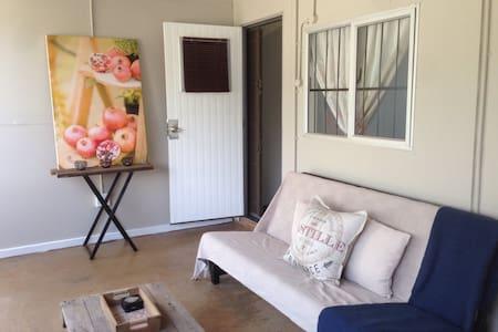Ganico Eco-Cabin - Krugersdorp - Sommerhus/hytte