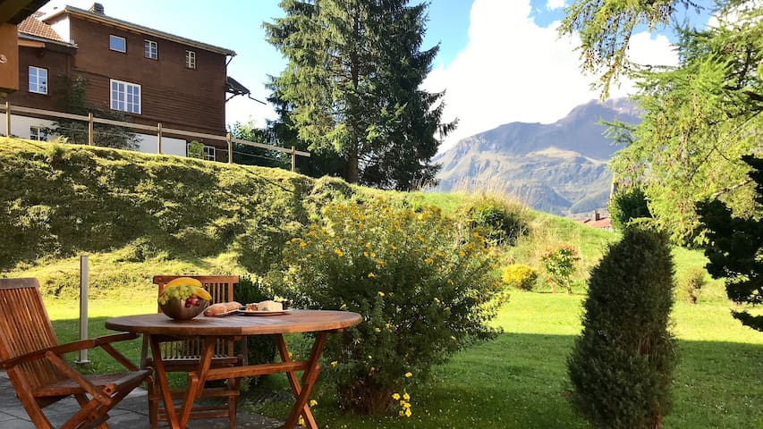 Wengen Flat: Ski-in, Ski-out, Chalet Luise
