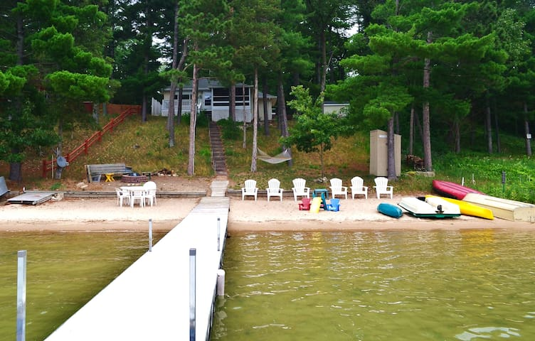 Beach House Lake Front Cottage Swim Boat Slps 1-11