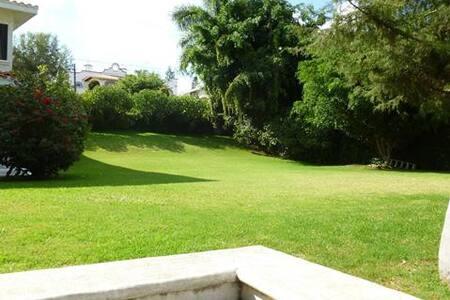 Propiedad doble en Lomas  Cocoyoc - Cocoyoc - House