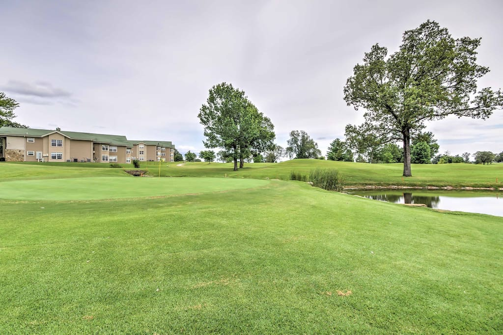 Enjoy access to pristine community amenities including an 18-hole golf course!