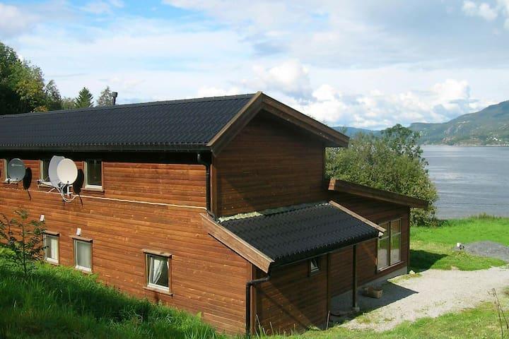 12 persoons vakantie huis in Hjelmeland