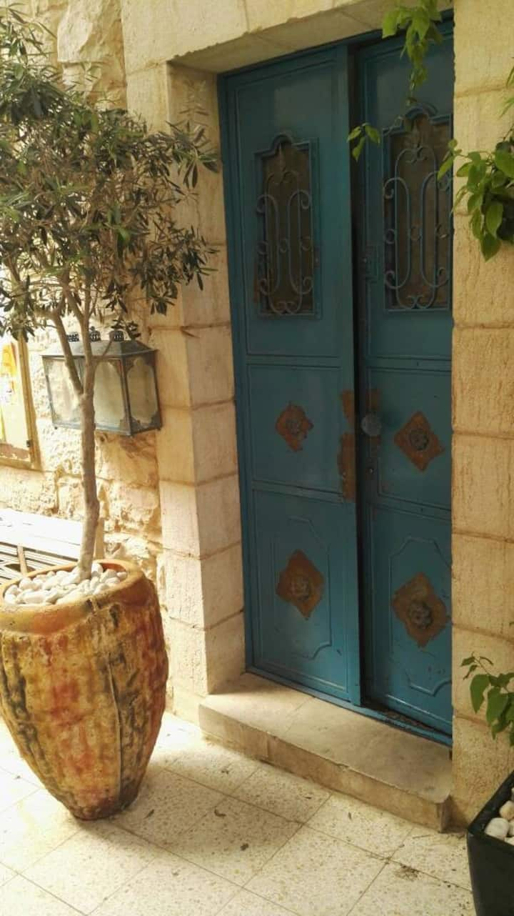 Jolie Maison a Nachlaot, Jerusalem