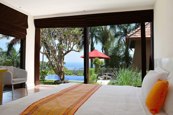 King Size room in Villa with Pool and Sea View