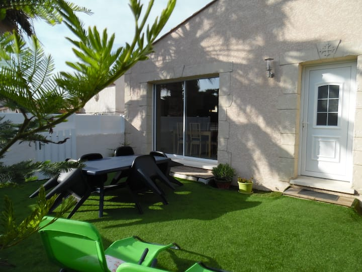 villa indépendante au calme 70m2 clim jard parking