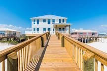 Beach front w/private heated pool & elevator! Up to $200 activity pass included!