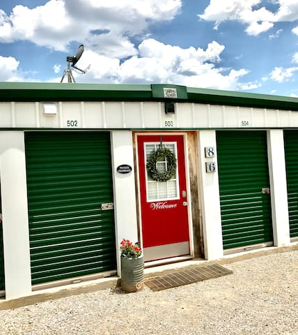 Container Home Near Ft.Sill Sleeps 6
