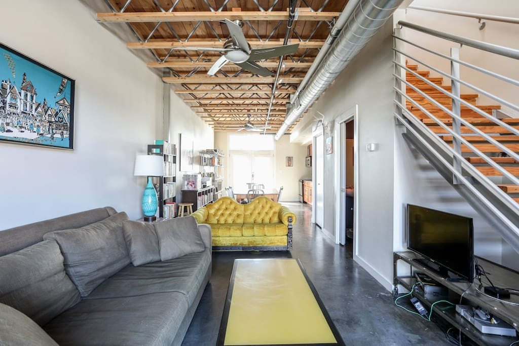 Perfect East 6th Downtown Loft Apartments For Rent In
