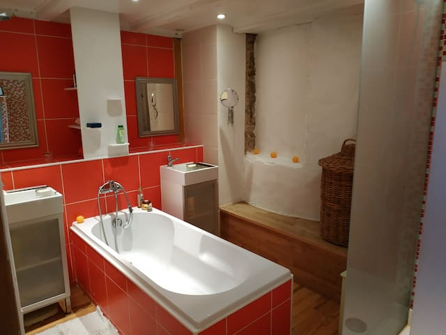 salle de bain privative.