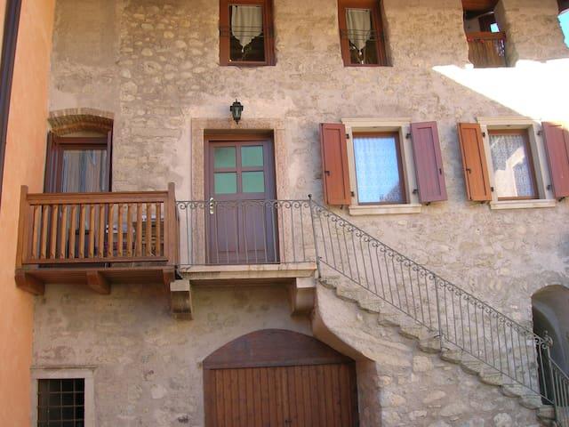 appartamento nel borgo - Comano Terme - Appartement