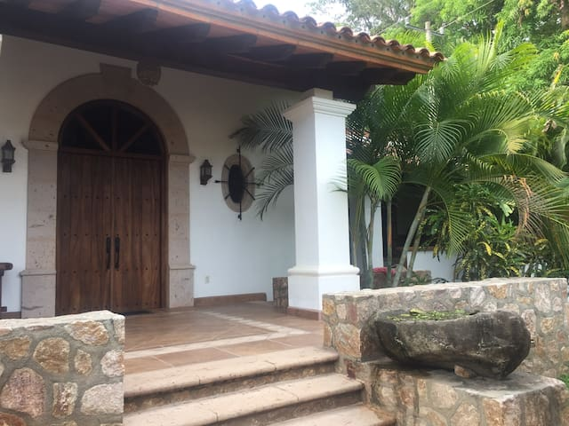 Hacienda for four,  a block away from the beach !